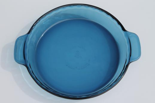 Anchor Hocking blue glass pie pan 9 1/2 inch pie plate w/ scalloped edge & Anchor Hocking blue glass pie pan 9 1/2 inch pie plate w/ scalloped ...