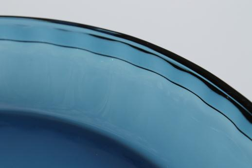 Anchor Hocking blue glass pie pan 9 1/2 inch pie plate w/ scalloped edge : 12 inch pie plate - pezcame.com