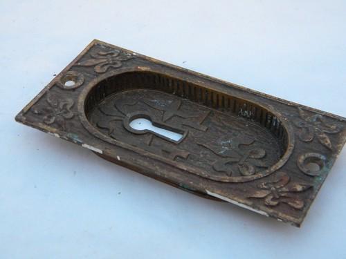 Brass Ornate Fleur Di Lis Escutcheon Keyhole Plate Vintage