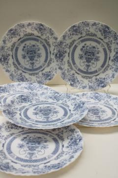 Arcopal Honorine pattern dinner plates, French blue & white toile Arcoroc glassware