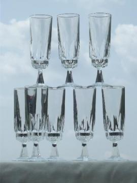 Arcoroc Artic fluted champagne glasses set of 8, vintage stemware