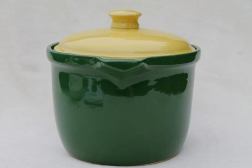 Bake Oven pottery bean pot in primary yellow & green, 40s vintage kitchenware