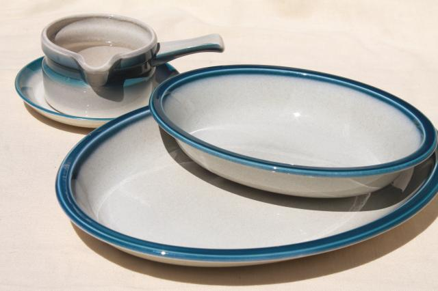 blue pacific wedgwood casual dinnerware serving platter oval bowl gravy or sauce pitcher