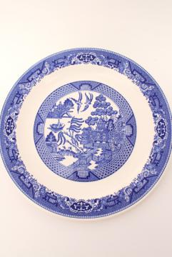 Blue Willow vintage Royal China cake plate or round platter / serving tray