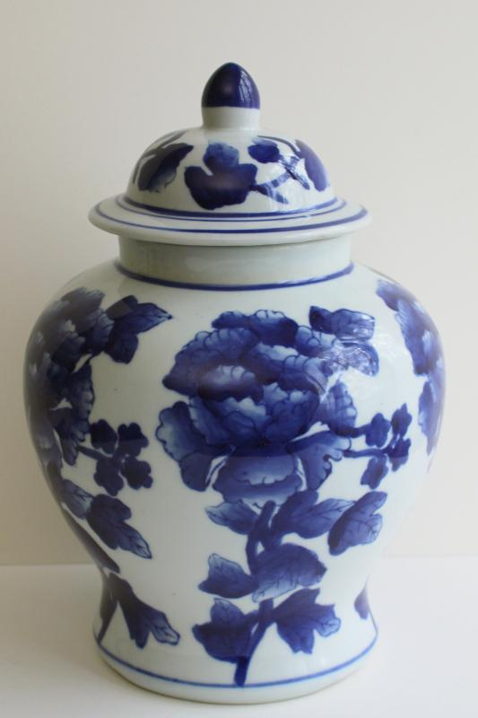 Chinese porcelain ginger jar, 90s vintage blue & white china peony chinoiserie