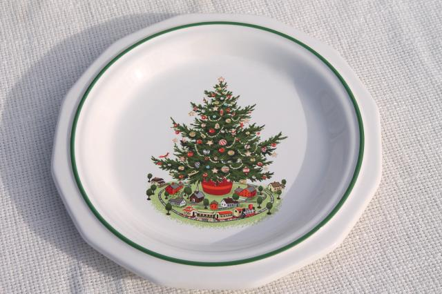 Christmas Heritage Pfaltzgraff luncheon plates set of 12 holiday tree pattern & Christmas Heritage Pfaltzgraff luncheon plates set of 12 holiday ...