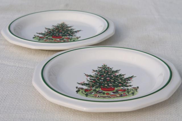 Heritage Pfaltzgraff luncheon plates set of 12, holiday tree pattern