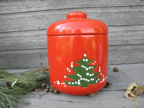 Christmas Tree pattern Waechtersbach pottery, big cookie jar canister