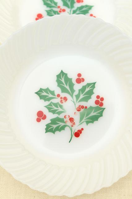 Christmas holly milk glass dishes, holiday dinnerware set for 8, vintage Crisa Mexico
