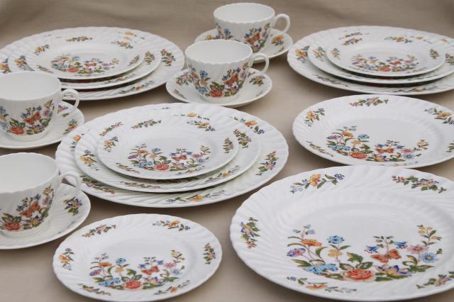 Cottage Garden English Aynsley bone china, butterflies & flowers vintage dishes set for 4