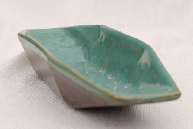 Country Fare or Red Wing Village Green stoneware pottery celery dish, pickle or relish