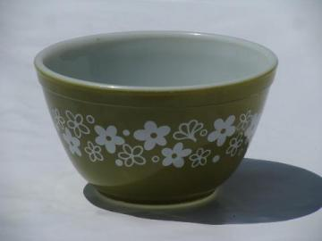 Crazy Daisy retro green flowers vintage Pyrex kitchen glass mixing bowl