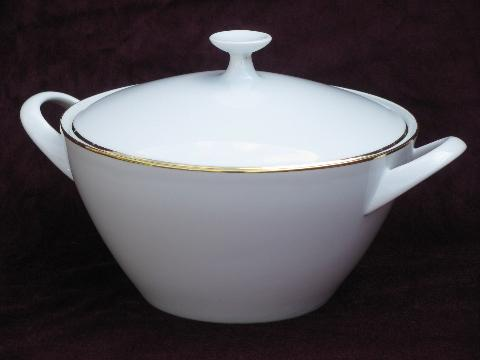 Crown Bavaria Monarch tureen or covered serving bowl, white w/ gold