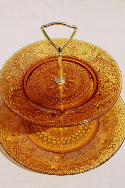 Daisy Sandwich Pattern Amber Glass Two Tier Tiered Plate