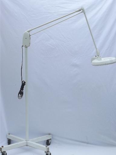 Dazor magnifier work light M-1450-H, vintage industrial  Dazor floating fixture