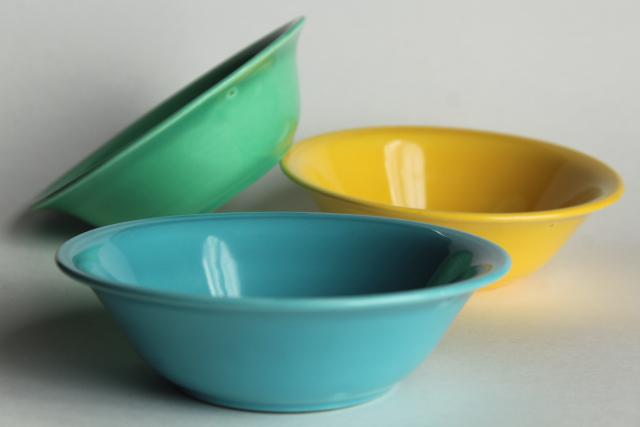 Early California 40s 50s vintage Metlox pottery cereal bowls, fiesta colors