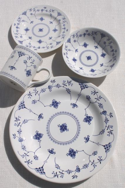 Finlandia nordic blue u0026 white china Churchill Chelsea shape dinnerware set for 6 & Finlandia nordic blue u0026 white china Churchill Chelsea shape ...