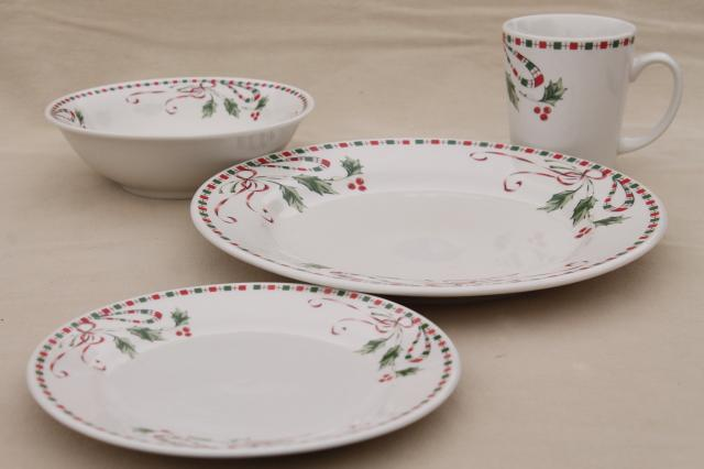 & Gibson Festive Traditions Christmas holly pattern dinnerware set for 8
