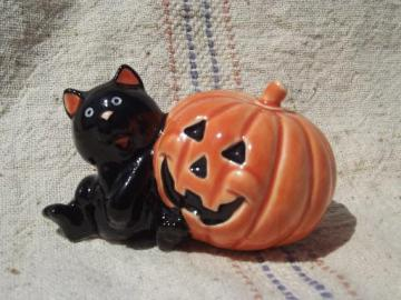 Halloween black cat w/ jack-o-lantern pumpkin, vintage Norcrest-Japan
