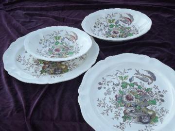 Hampshire Royal Doulton china, chop plate, platter, oval bowls lot