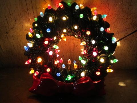 hard to find electric light up ceramic christmas wreath 70s vintage - Christmas Wreaths With Lights