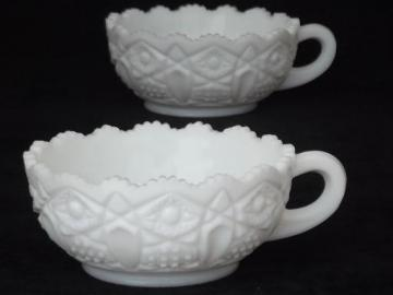 Heritage pattern milk glass nappy dishes, vintage L E Smith Heritage glass bowls