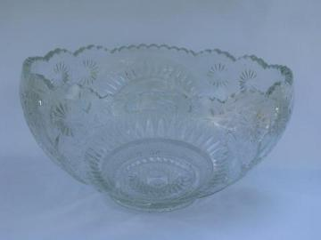 Holiday pattern set vintage L. E. Smith pressed pattern huge glass punch bowl