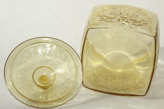 Indiana Recollection or Federal Madrid, vintage amber yellow depression glass cookie jar