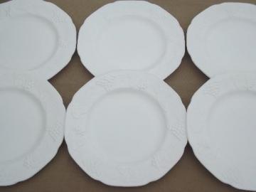 Indiana harvest grapes milk glass dinner plates, vintage grape pattern milk glass