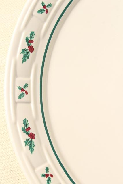 Longaberger Holly Christmas Traditions stoneware pottery cake or chop plate round platter