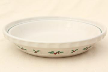 Longaberger Holly Christmas Traditions stoneware pottery pie plate, 10 inch pie pan