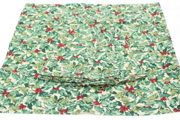 Longaberger Holly print cloth napkins, vintage Christmas Traditions table linens, unused