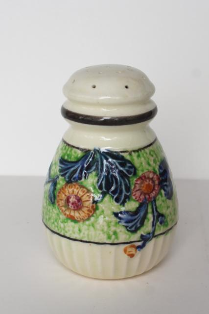 Made in Japan vintage majolica style sugar or salt shaker, tiny daisy or chrysanthemum