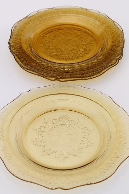 Madrid / Recollection pattern glass, amber yellow depression glass luncheon plates