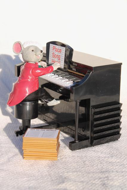 Mr. Christmas Maestro Mouse music box plays piano carols when you choose sheet music