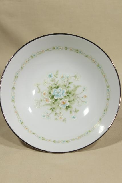 Noritake china Poetry pattern serving / salad bowls, 1980s vintage porcelain dinnerware