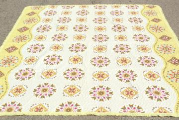 Olde Kentucky vintage cotton wholecloth quilt, print cotton bedspread whole cloth