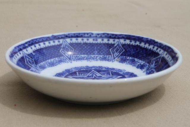 Petrus Regout Maastricht Holland old stick spatter Delft flow blue & white china tea saucer bowl