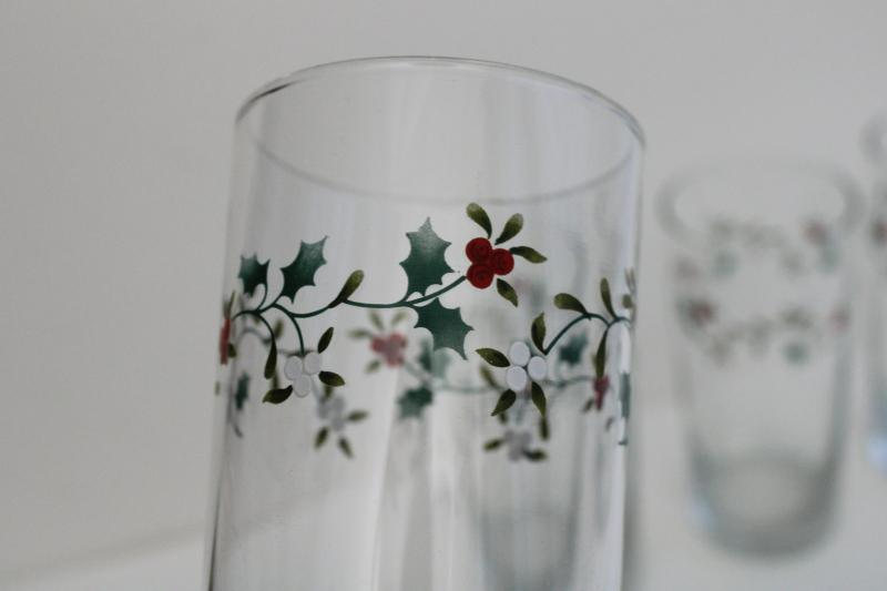 Pfaltzgraff Winterberry drinking glasses, tall tumblers Christmas holiday glassware