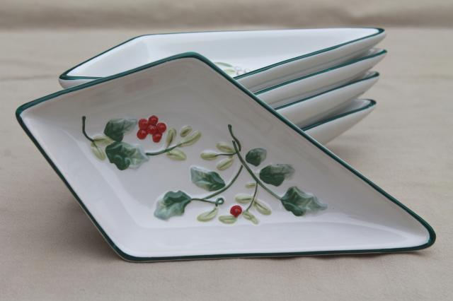 Pfaltzgraff Winterberry holly five part relish set, dishes form Christmas star shape
