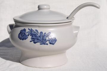 Pfaltzgraff Yorktowne soup tureen w/ ladle, blue & white pottery covered serving bowl