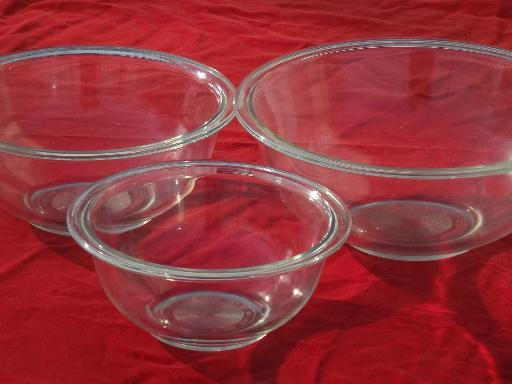 Pyrex clear glass nesting bowls, vintage nest of kitchen mixing bowls