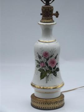 Queen's Rose pattern vintage china table lamp, roses and baby's breath