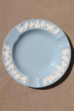 Queen's ware Wedgwood china lavender blue w/ cream embossed grapes, small ashtray