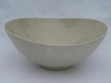 Red Wing vintage pottery, huge bowl, Bob White tan