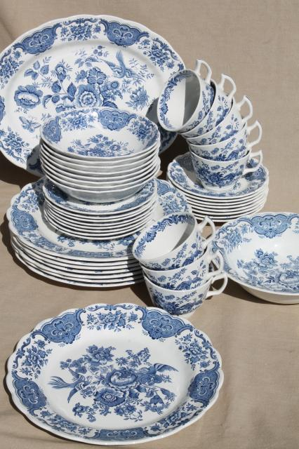 & Ridgway Windsor blue \u0026 white vintage china dishes dinnerware set for 8