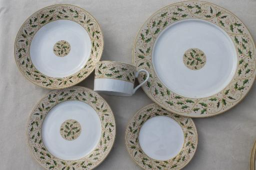 Royal Holly Gibson everyday china Christmas dishes set for 8 w/ holly on tan & Royal Holly Gibson everyday china Christmas dishes set for 8 w ...