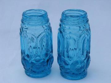 S&P range set salt & pepper shakers, colonial blue moon & star glass