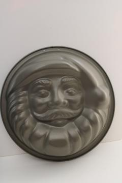 Santa face mold or cake pan w/ non-stick finish, made in Portugal bake ware