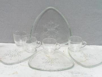 Snowflakes pattern vintage glass snack sets